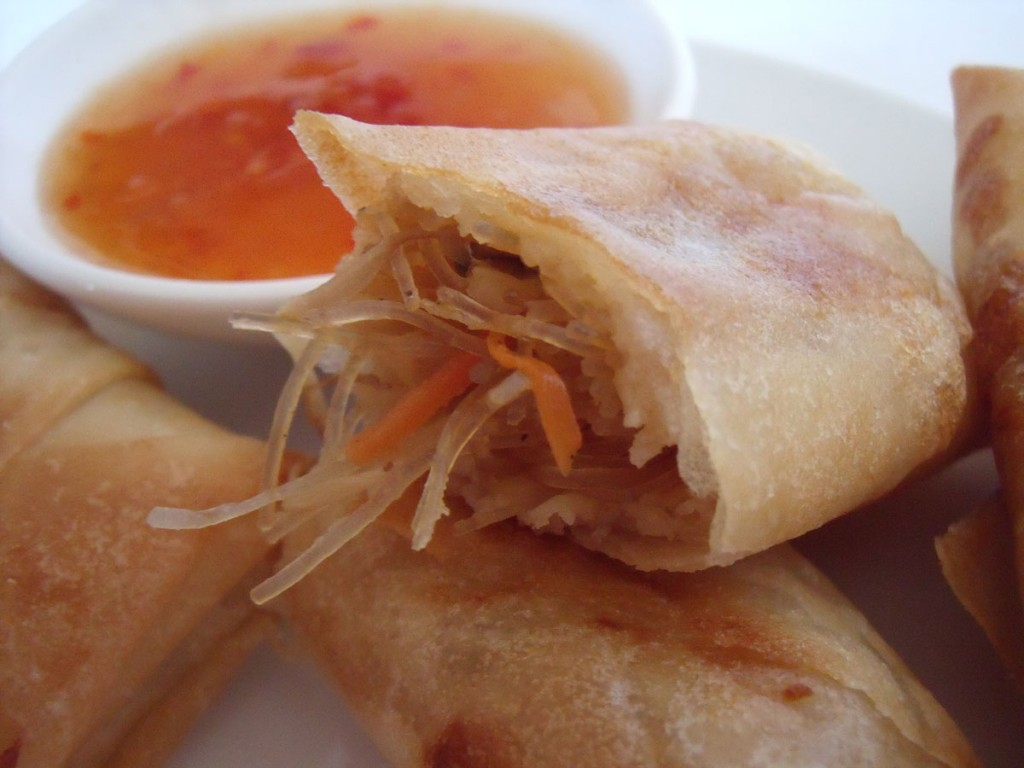 Wayan's quick and easy lumpia (spring rolls) | Wil and Wayan's Bali ...